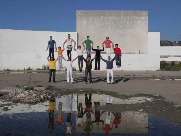 Chouf Ouchouf - 18 et 19 mars 2010 dans Aux halles Groupe_Acrobatique_de_Tanger_CHOUF_OUCHOUF0