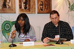 Didier et Jessica Reuss-Nliba au salon du livre de Paris