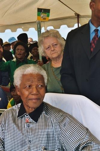 Mandela au cimetière Avalon, cimetière où sont entérrés les héros de la lutte contre l'apartheid