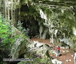Exposition sur les grottes [...]