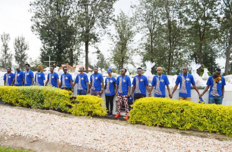Guma Guma artistes visit Murambi [...]