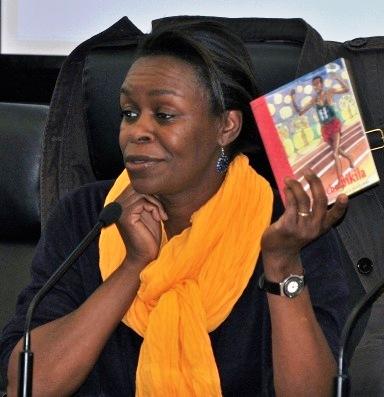 Kidi Bébey : La littérature pour enfant est porteuse de [...]