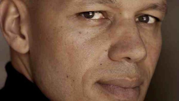 Le réalisateur suisso-ghanaéen [...]