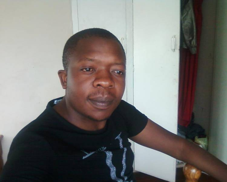 Lyton  Ngolomi